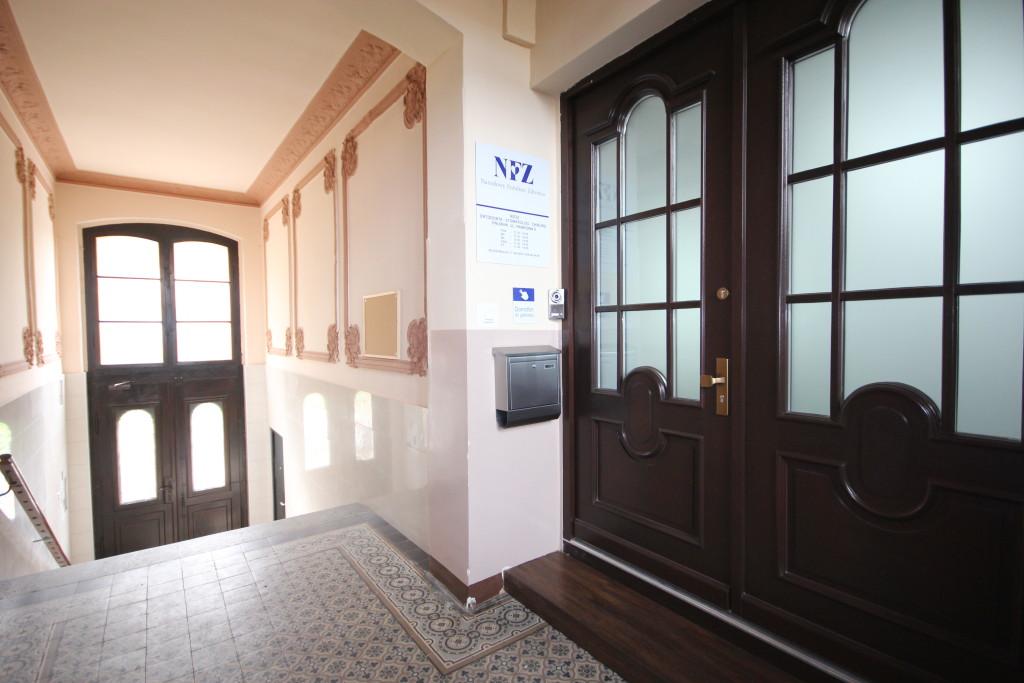 wejście do gabinetu ortodontycznego